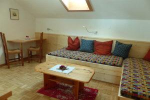 wohnzimmer-edelweiss-ferienhaus-waldhof
