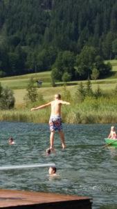 Sprung in den Weissensee Kärnten