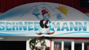 Schneemann Bar am Nassfeld