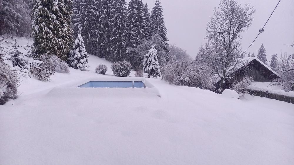 Schwimmbad Waldhof im Winter